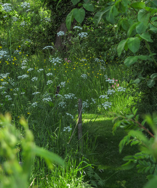 Sissinghurst Castle Garden senieri del frutteto